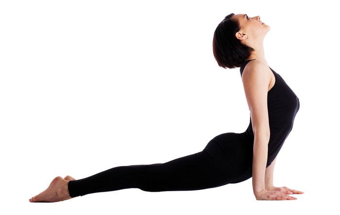 postura de la cobra yoga