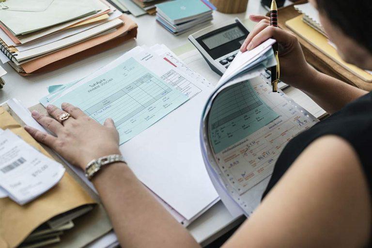 Diferencias entre grupos de cotización y las categorías profesionales
