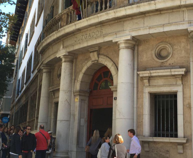 Queda en libertad uno de los detenidos por la violación grupal en Palma