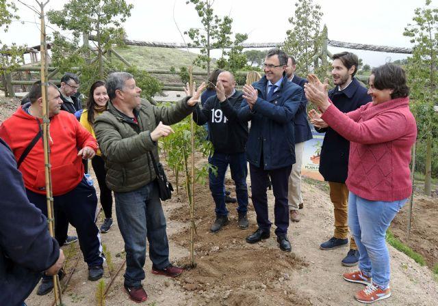 El Plan Foresta es impulsado con una plantación multitudinaria de Aspapros en Terra Natura