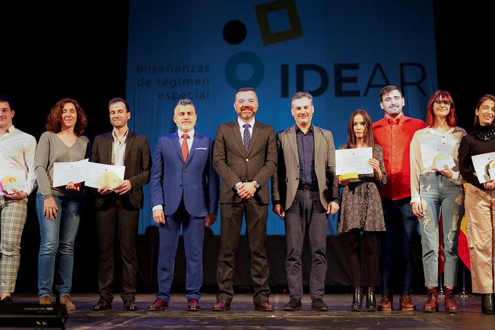 Educación premia a 13 alumnos extraordinarios en varias artes