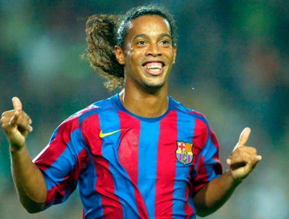 Ronaldinho pasa su 40 cumpleaños entre rejas