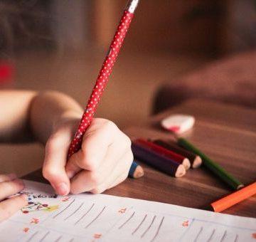 Ayuntamiento de Cartagena enviará las tareas escolares a domicilio a niños sin recursos