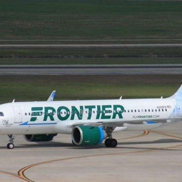 La aerolínea Frontier cobrará por respetar el distanciamiento social