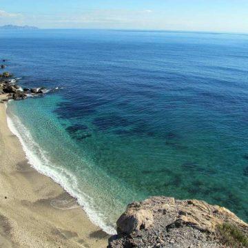 Gobierno regional y ayuntamientos costeros trabajan en un protocolo para disfrutar de las playas en condiciones de seguridad