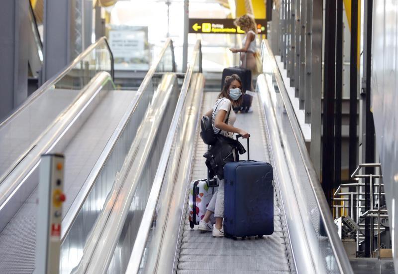 Madrid detecta 32 positivos llegados a Barajas de mayo a junio