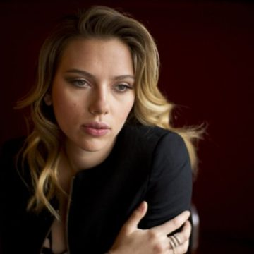 """Scarlett Johansson denuncia la """"presión sobre los actores para estar delgados"""": """"Ahora es mucho peor"""""""