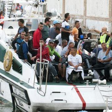 La Policía Nacional busca a 15 argelinos de los cien fugados anoche en Cartagena