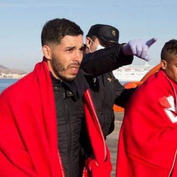 Interceptan 5 pateras con 70 inmigrantes a bordo en la costa de la Región