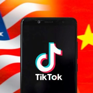 """Trump prohíbe """"cualquier"""" negocio con la empresa propietaria de TikTok"""