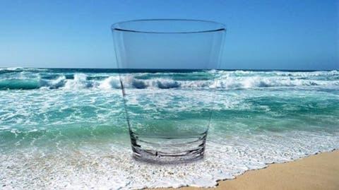 Transforman agua de mar en agua potable segura y limpia en menos de 30 minutos usando luz solar
