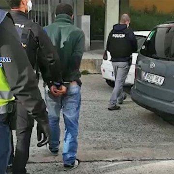 Detenido por vender droga desde su tienda a jóvenes en inmediaciones de un colegio