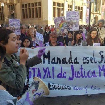 Quintana, condenado por publicar una foto de la víctima de La Manada, se libra de la cárcel por un día