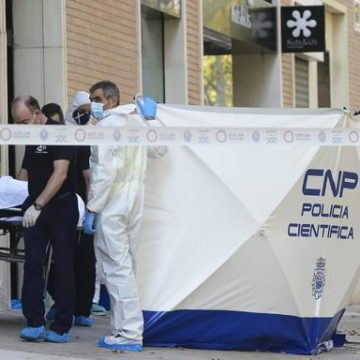 El hijo del hombre apuñalado en Murcia se ha entregado a la policía