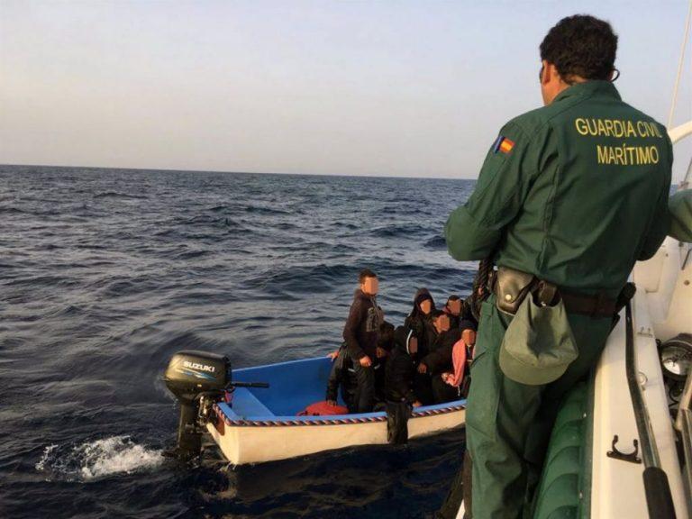 Interceptan en las últimas 24 horas a 103 migrantes en diez embarcaciones