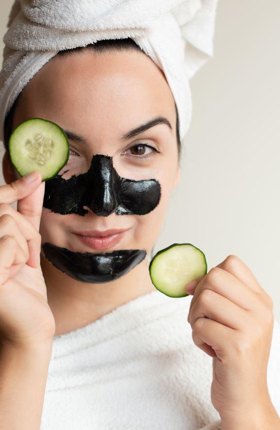 Como disimular los poros dilatados