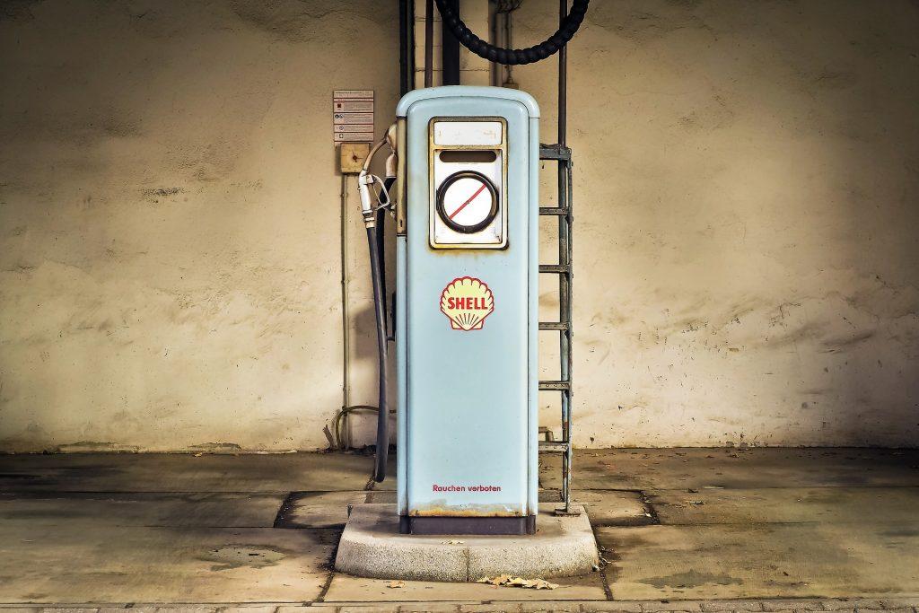 Como eliminar el olor de gasolina de tu vehículo