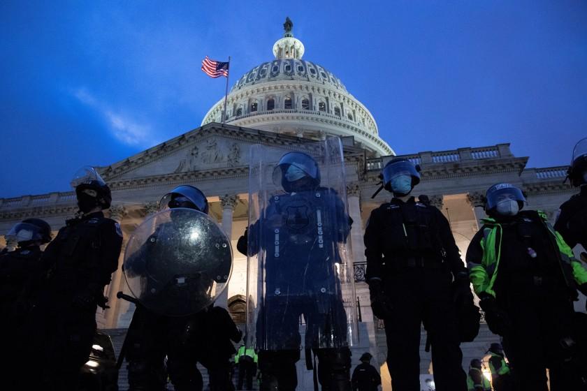 jefe-de-policia-del-Capitolio.jpg