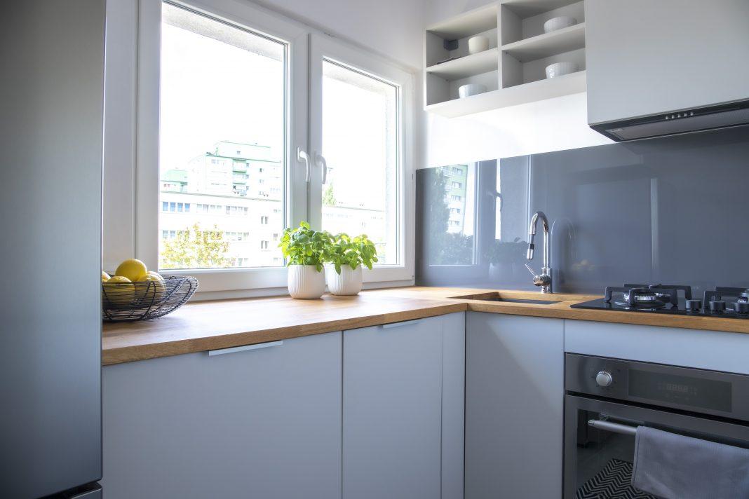 Ideas para la bonita decoración de una cocina pequeña
