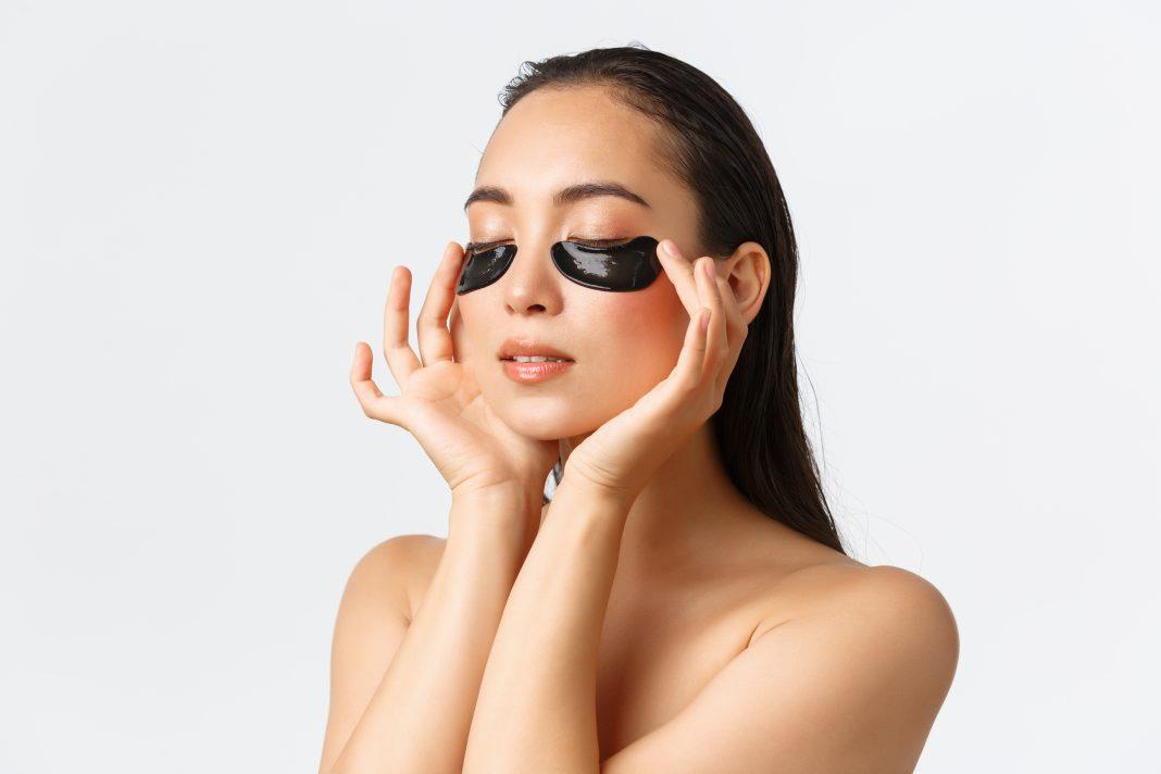 Estas son las distintas formas de eliminar las bolsas de los ojos