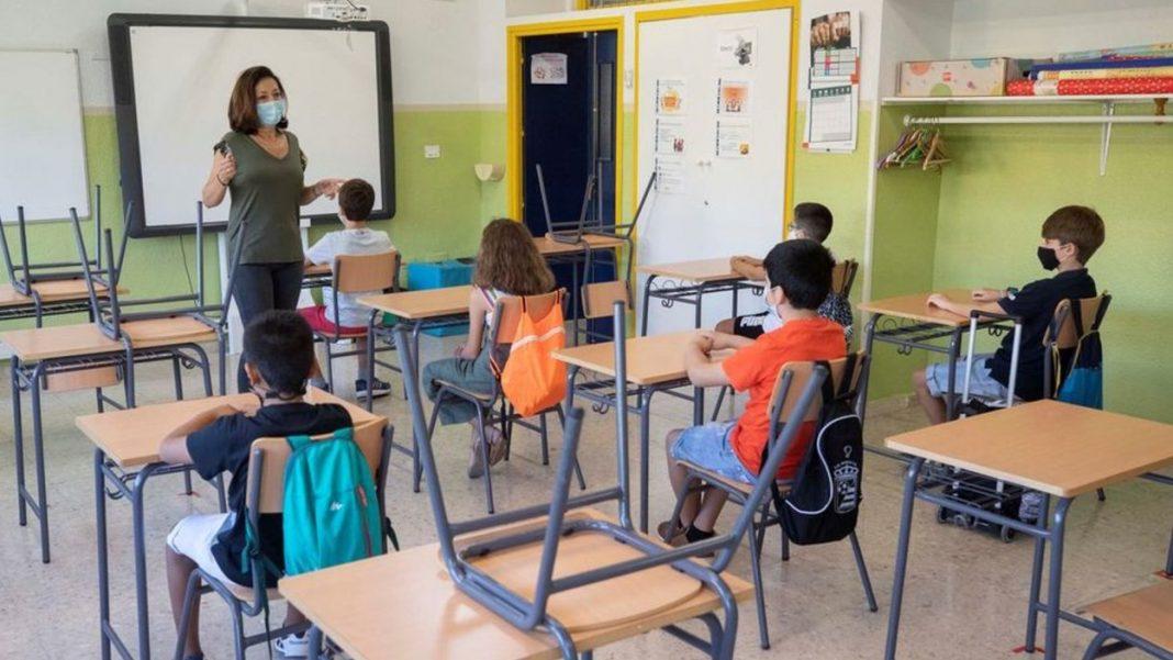 Las conserjerías de Educación, Cultura y Salud se preparan para la vuelta a las aulas en Infantil y Primaria