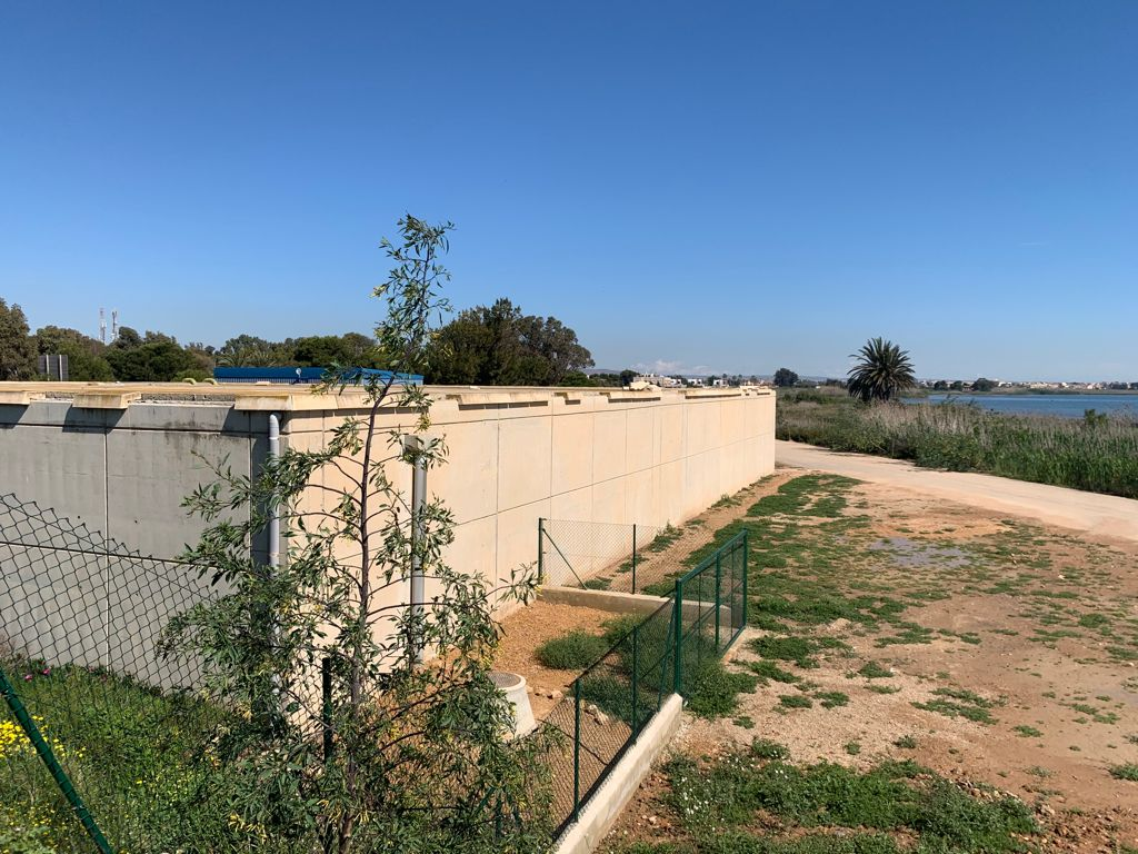 Planta de bombeo situada entre Los Alcázares y El Carmolí.