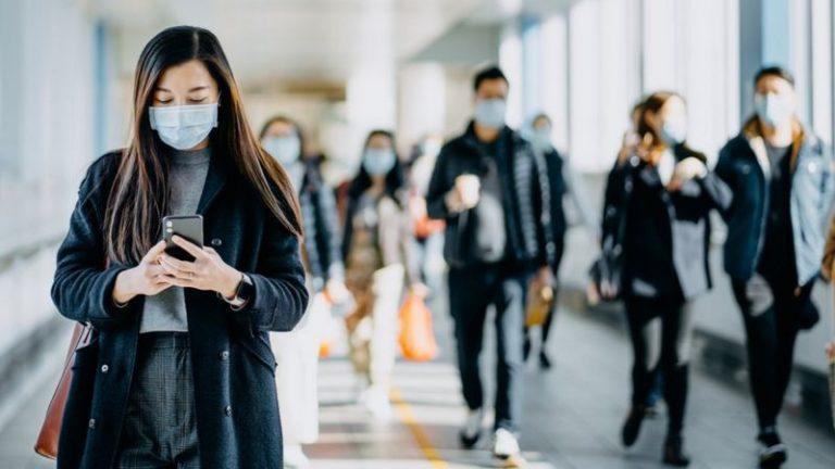 Desarrollan una prueba de covid-19 que detecta el virus a través del teléfono móvil