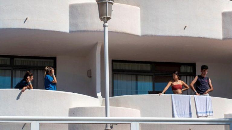 Ingresa en la UCI uno de los jóvenes contagiados de Covid en Mallorca