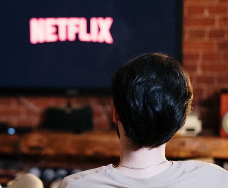 El Gobierno impondrá tasas a plataformas como Netflix o HBO para financiar el cine y la televisión pública