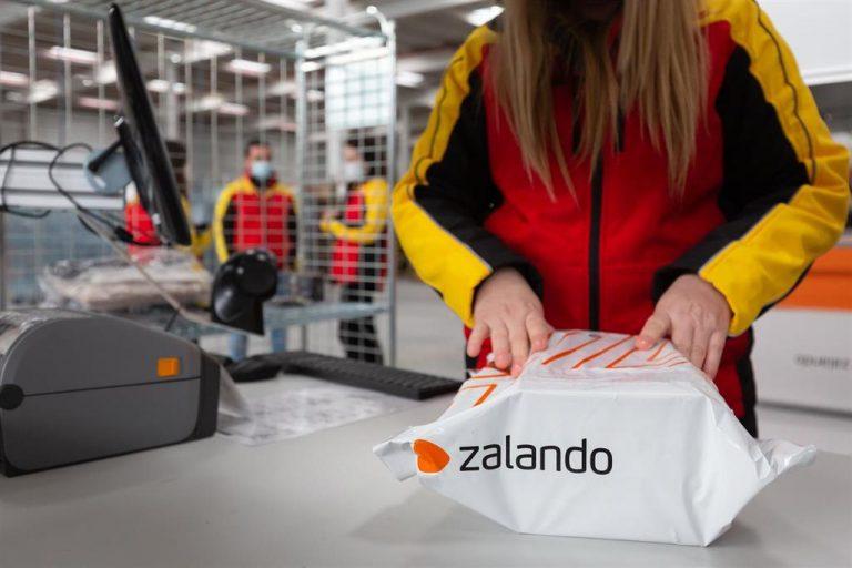 Zalando tiene previsto reforestar España con 300.000 árboles plantados para el 2022