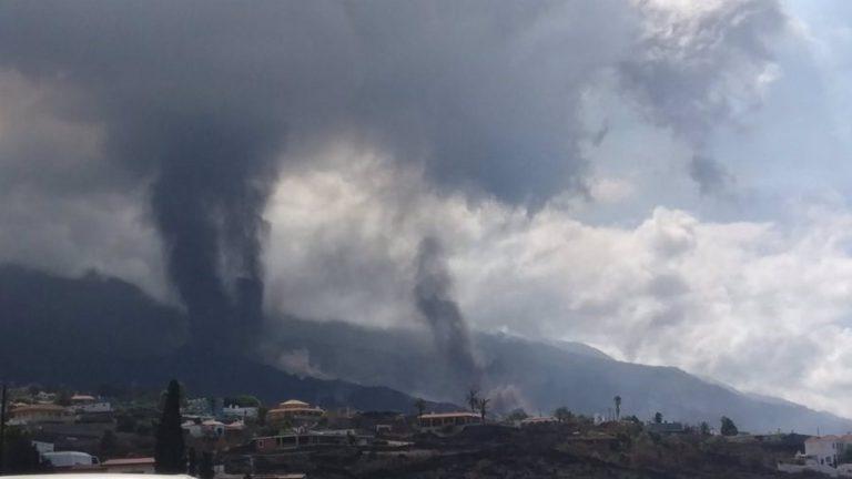 Abierto un nuevo foco de emisión del volcán de La Palma más al oeste del foco principal