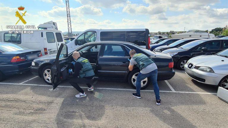 Dos detenidos por robar en coches en áreas de servicio de Murcia, Alicante y Valencia